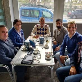 El Concejal de Vélez-Málaga, José Antonio Moreno Ocón con la Asociación de Comerciantes de San Francisco