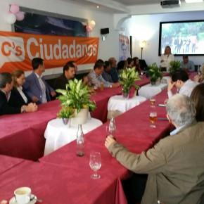 Ciudadanos Marbella celebra su primer 'Café Ciudadano San Pedro'