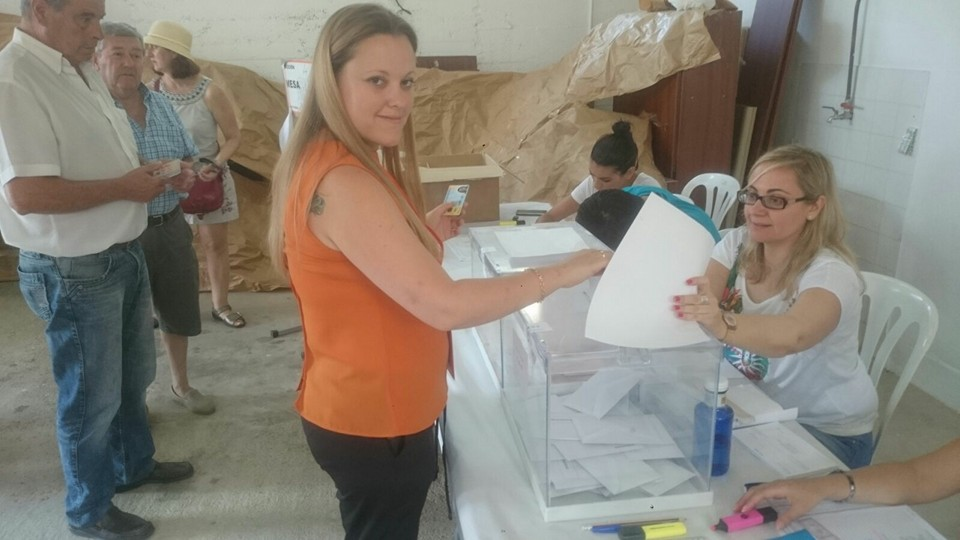 elena Aguilar votando 26 de junio 2016