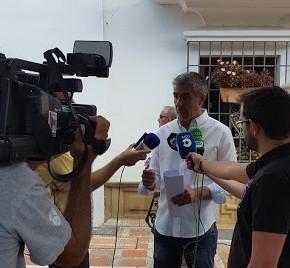 Ciudadanos Marbella critica que la productora creada por el hijo de Piña facturase a RTV Marbella por cubrir la Semana Santa de San Pedro