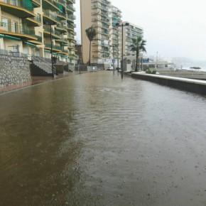 Ciudadanos exige una solución definitiva para acabar con las inundaciones en la fase del paseo marítimo de Carvajal recién remodelada