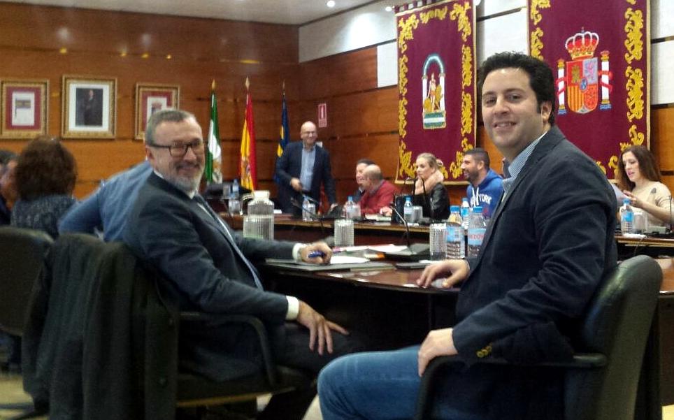 Antonio Lara y Curro Basagoiti en Pleno Municipal