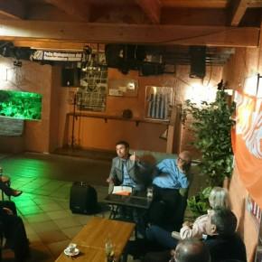 Guillermo Díaz destaca la puesta en marcha de la Oficina de Diputado en el café ciudadano celebrado en Coín