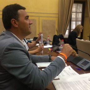 Carlos Hernández urge a la Junta a que garantice el agua para los agricultores de la Axarquía