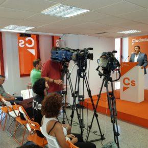 Ciudadanos urge a la Junta a que reordene las titulaciones académicas de los guías turísticos en Andalucía