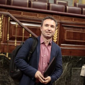 Guillermo Díaz pide en el Congreso mejoras para romper el aislamiento en el Puerto de la Torre