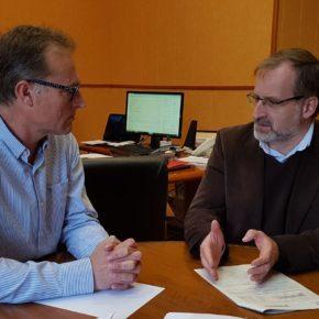 Gonzalo Sichar visita Álora y traslada a su alcalde los programas de la Diputación que pueden beneficiar al municipio