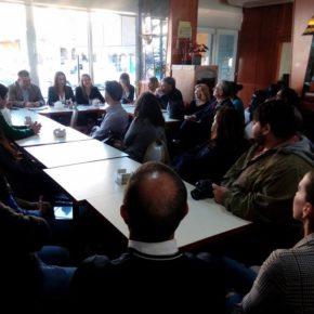 Teresa Pardo explica el trabajo y los logros obtenidos en estos últimos meses en el café ciudadano organizado por Ciudadanos Rincón
