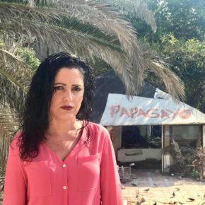 María del Carmen López pide celeridad al equipo de gobierno para demoler el antiguo chiringuito de Calahonda antes del inicio del verano