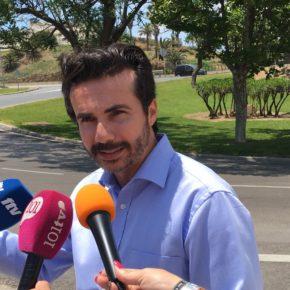 Ciudadanos Fuengirola denuncia la peligrosidad del acerado en el cambio de sentido a la altura del Castillo Sohail