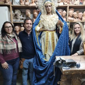 Las ediles de Cs de Rincón de la Victoria apoyan al imaginero local Nicolás Torres